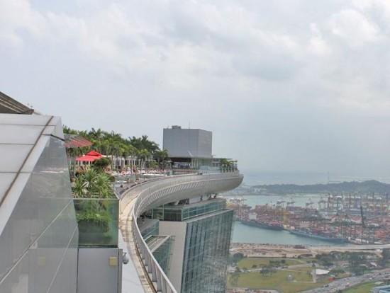 """Piscina Sin Fin en el Rascacielos """"Marina Bay Sands"""" Singapur"""