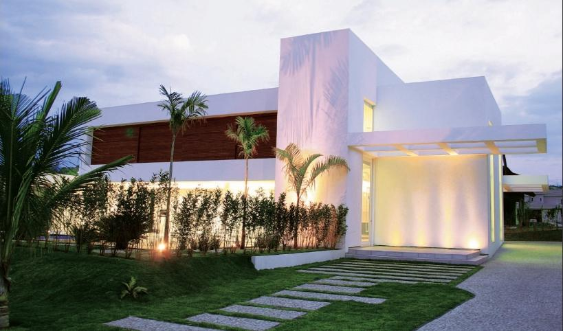 Fachadas de casas bonitas modernas de dos pisos simples for Fotos de jardines de casas modernas