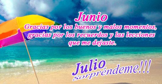 Imagen de playa con despedida de Junio y bienvenida de Julio