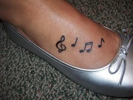 tatuajes-para-mujeres-pequenos-76