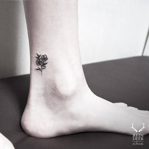 tatuajes-para-mujeres-pequenos-85