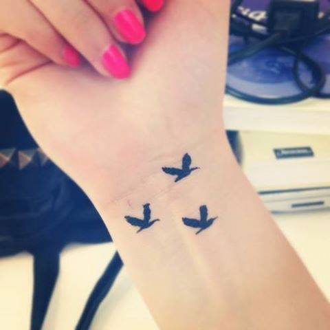 tatuajes-pequenos-blanco-y-negro-3