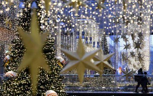decoracion-de-fachadas-de-casas-con-luces-navidad-10