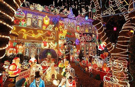 decoracion-de-fachadas-de-casas-con-luces-navidad-13