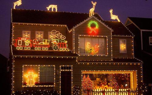 decoracion-de-fachadas-de-casas-con-luces-navidad-15