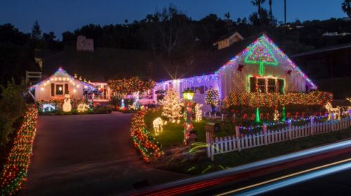 decoracion-de-fachadas-de-casas-con-luces-navidad-18
