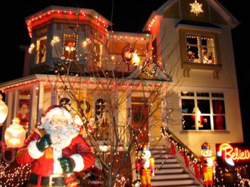 decoracion-de-fachadas-de-casas-con-luces-navidad-2