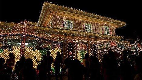 decoracion-de-fachadas-de-casas-con-luces-navidad-22