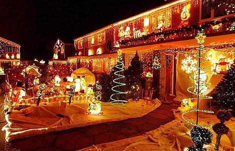 decoracion-de-fachadas-de-casas-con-luces-navidad-3