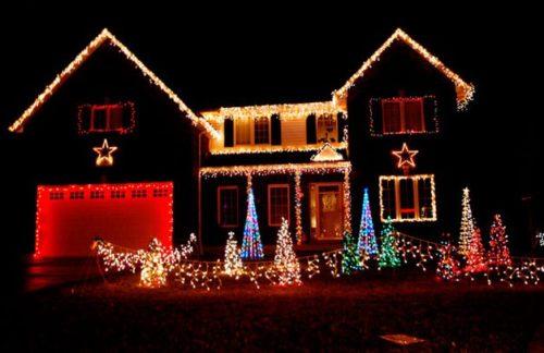 decoracion-de-fachadas-de-casas-con-luces-navidad-9
