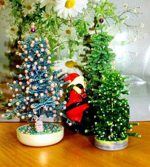 manualidades-de-navidad-ideas-arboles-perlas