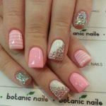 98 Diseños de uñas decoradas con piedras muy originales