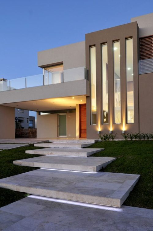 Moderna casas casa moderna con jardin interno with for Casa moderna ud