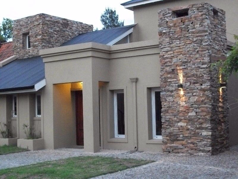 100 fachadas de casas con piedra modernas y minimalistas for Piedras para fachadas minimalistas