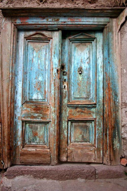 puerta de dos alas en madera antigua - Puertas De Madera Antiguas