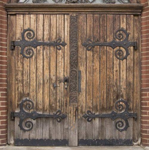 good elegant puerta antigua madera combinada con acero antiguo with puerta antigua de madera with puerta antigua de madera - Puertas De Madera Antiguas