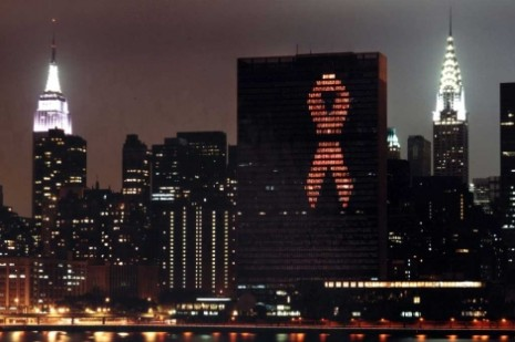 sidaencendidas-simbolico-recuerdo-victimas-VIHsida_PREIMA20111121_0176_10.jpg2