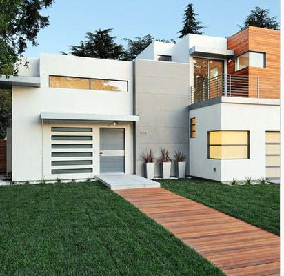 Fachada de casa moderna en color blanco