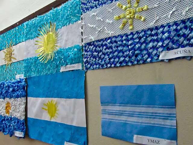 Manualidades del d a de la bandera argentina adornos for Banderas decorativas para jardin
