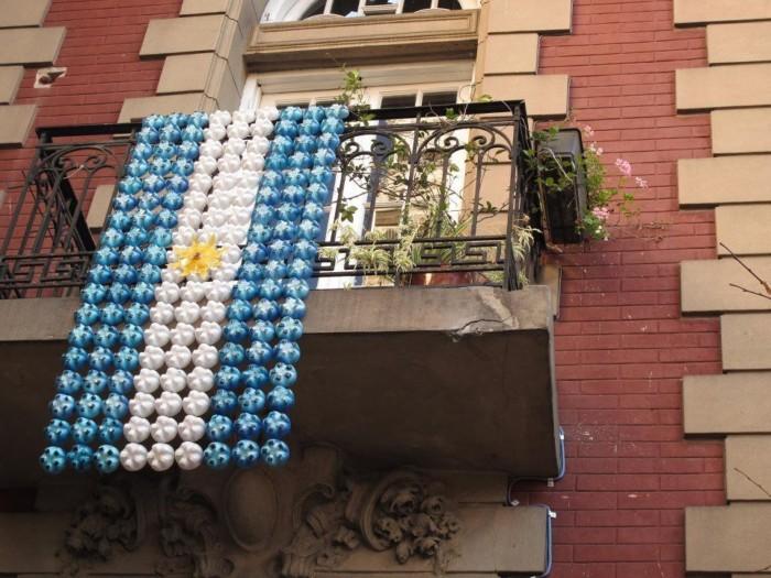 Manualidades del d a de la bandera argentina adornos for Decoracion 25 de mayo nivel inicial