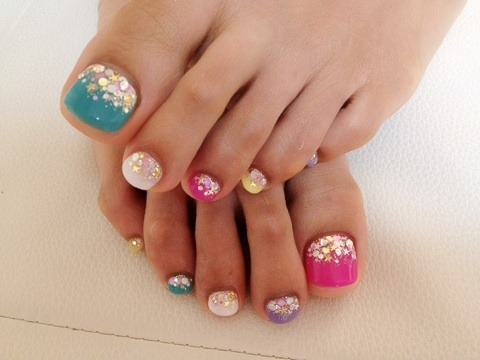 pretty_pedicure_for_summer