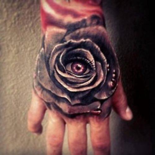 30-espectaculares-tatuajes-de-rosas-en-las-manos-24_0
