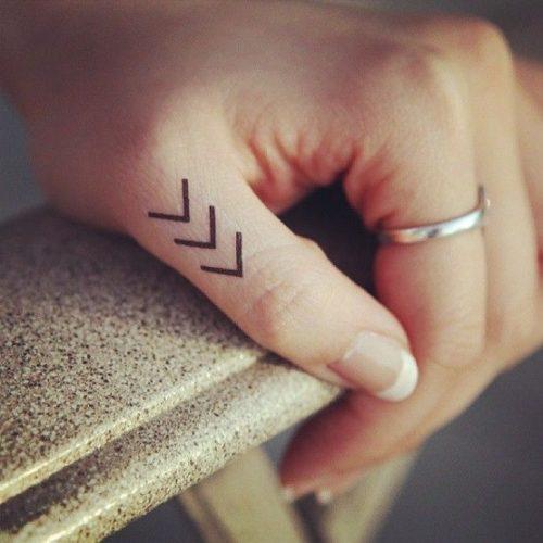 tatuajes-para-mujeres-pequenos-115