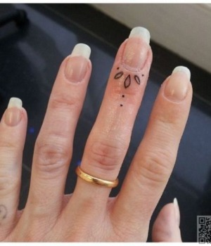 tatuajes-para-mujeres-pequenos-134