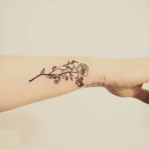 tatuajes-para-mujeres-pequenos-37