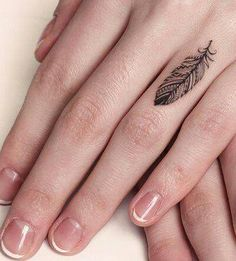 tatuajes-para-mujeres-pequenos-79
