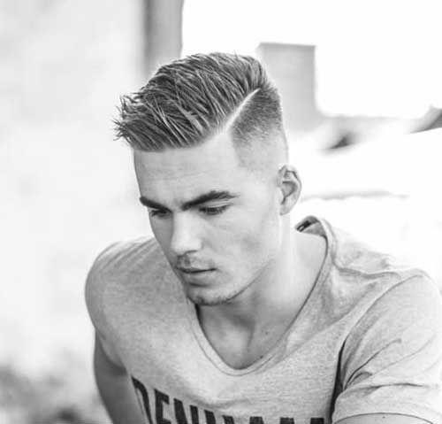 cortes-de-pelo-corto-hombre-degradado-raya-marcada-gomina