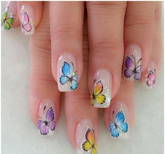 Im genes de u as decoradas con dise os de mariposas y - Imagenes de mariposas de colores ...