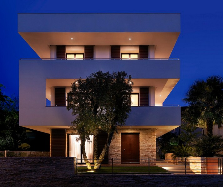 Fachadas para casas de tres pisos modernas 48 im genes for Casa minimalista tres pisos