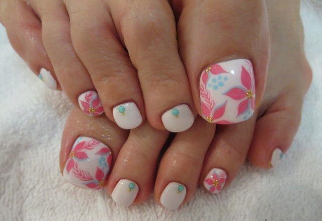 cbf2e1e0a Figuras de uñas decoradas para pies con los mejores diseños [60 ...