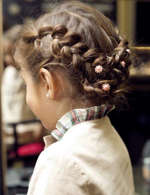 Peinado recogido con trenza para nina