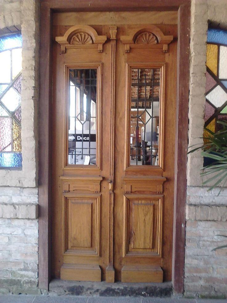 Puertas antiguas de madera 1 informaci n im genes for Como restaurar una puerta antigua de madera